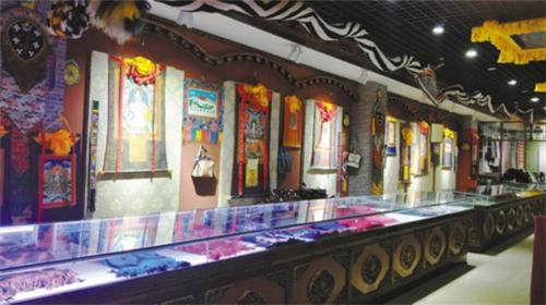 山南市扎囊县氆氇编织技艺传承:织出美丽新生活.jpg