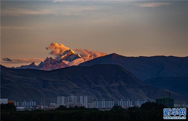 图览雅拉香布雪山2.jpg