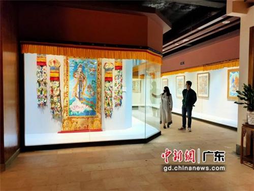 80余幅国家级非遗大师唐卡作品广东省东莞市展出1.jpg