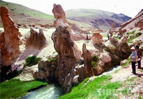 科考世界海拔最高温泉奇观4.jpg