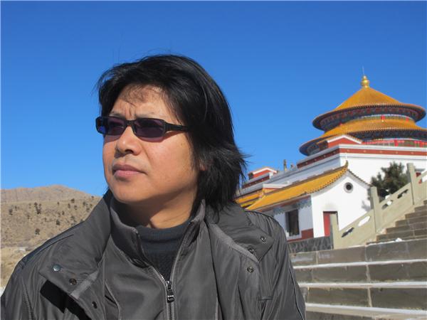 2011年在仓央嘉措圆寂的南寺朝拜.JPG