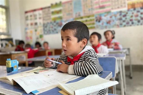 """藏族老师完么仁增的""""一人一校""""10.jpg"""