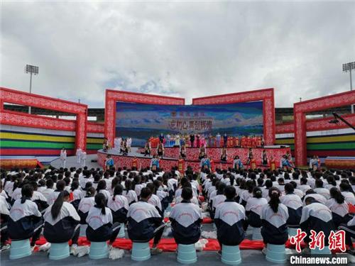2020雅砻文化旅游节在西藏山南开幕1.jpg