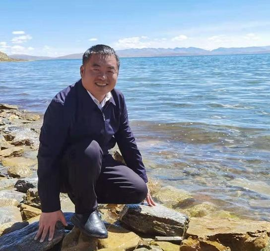 陈跃军:西藏日常生活的诗意(组诗)