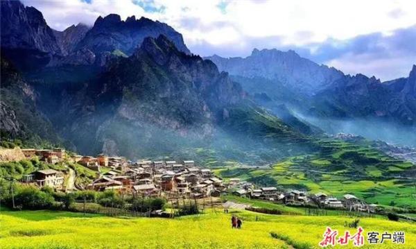 甘南:长假期间实现旅游综合收入2.45亿元.jpg