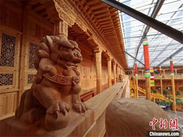 """青海一""""藏家大院""""被认证为""""世界最大的木结构四合院""""2.jpg"""