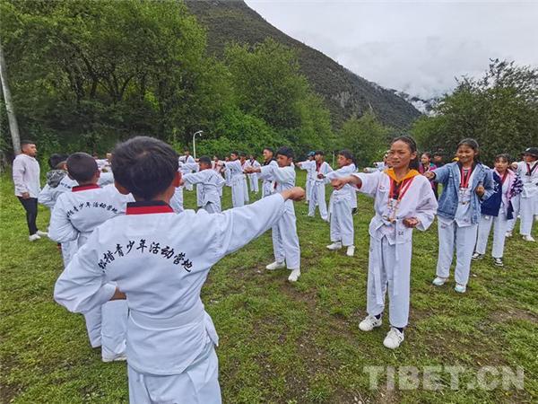 西藏第一届青少年跆拳道素质拓展训练营圆满落幕4.jpg