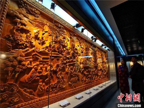 青海大学民族医学博物馆揭牌 展示三十五种中国民族医药4.jpg