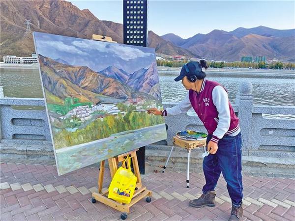 仝海明在拉萨创作的日子:用线条勾勒写意人生6.jpg