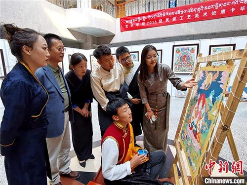 """青海藏艺传承不息:从""""师带徒""""到现代高校教育2.jpg"""