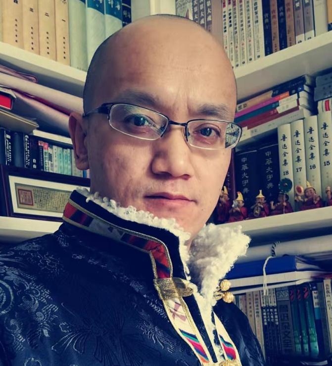 刚杰·索木东:骨缝的尘埃(组诗)