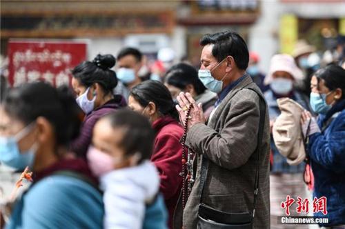 西藏拉萨八廓街时隔3个月重新对外开放1.jpg