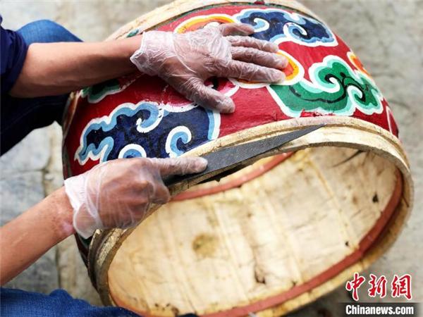 藏戏司鼓师扎西旺杰:一鼓一钹成就艺术人生3.jpg
