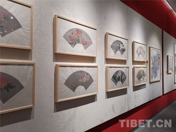 西藏青少年书画大展拉萨开幕 向社会大众免费展览2.jpg