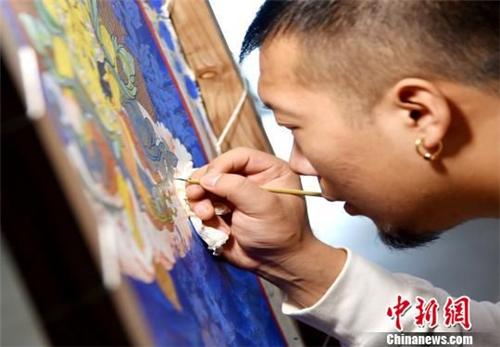 """世界级""""非遗""""青海热贡艺术在台湾展览"""